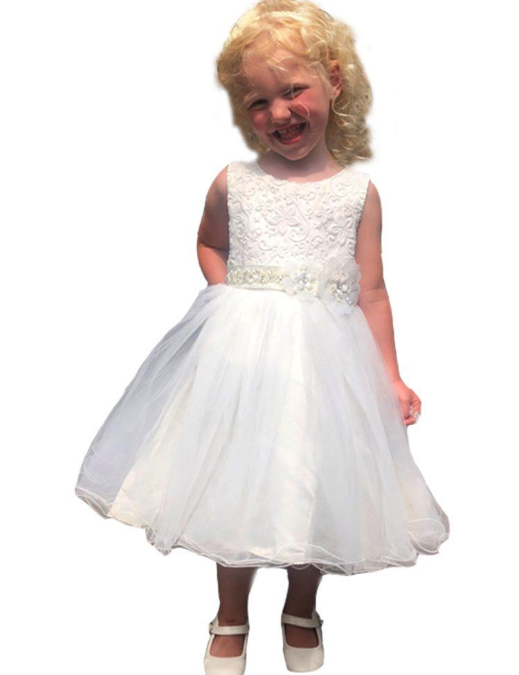 bruidsmeisjesjurk Noelle gedragen door een blond meisje