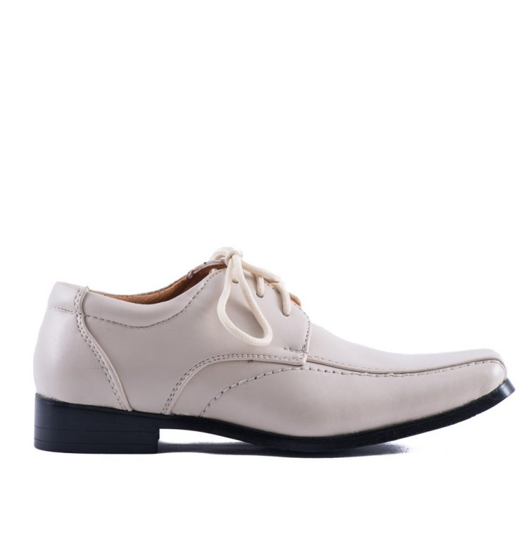 Bruidsjonkers schoenen in de kleur beige met veters