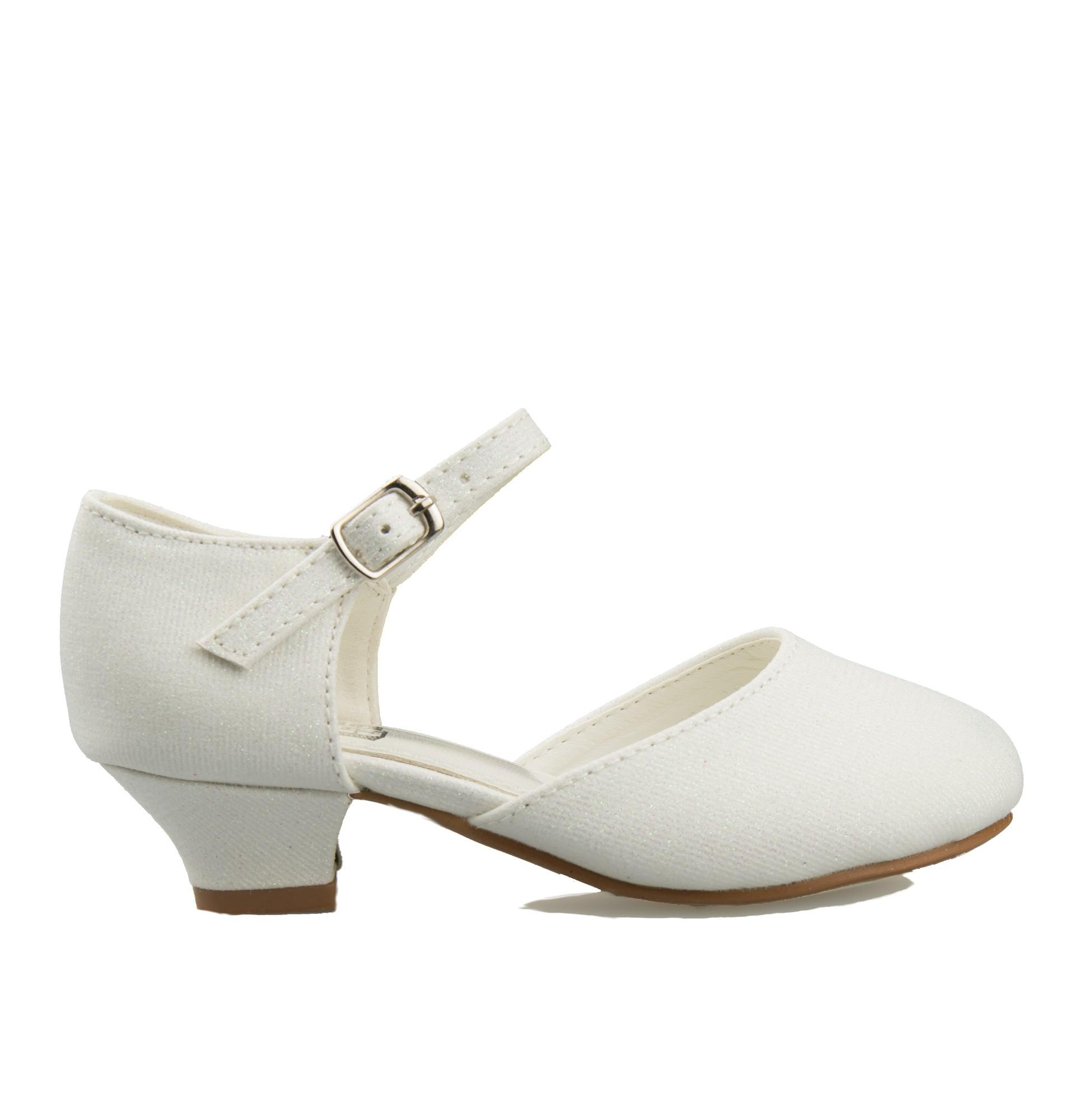 bruidsmeisjes schoen met glitters en een klein hakje
