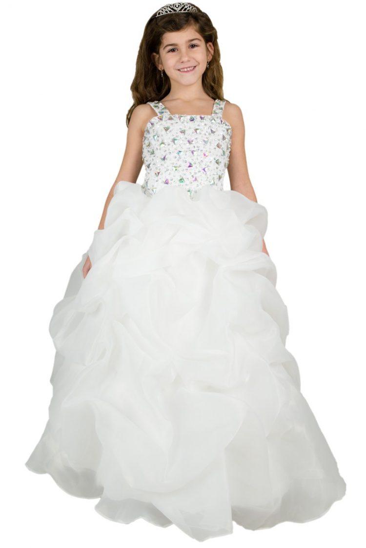 Bruidsmeisjes jurk in Cindy is een lange jurk in de kleur ivoor met veel stras steentjes en golvende rok