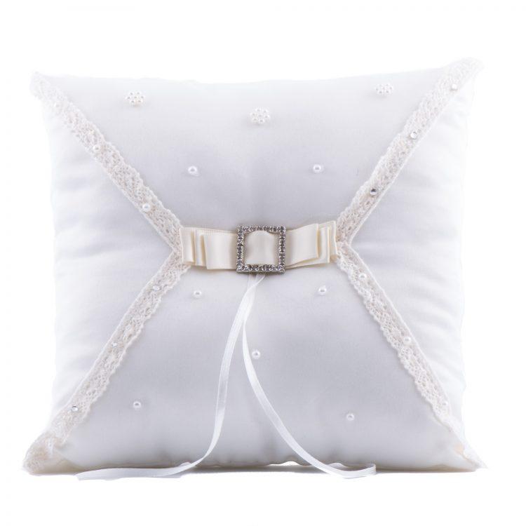 ringkussen pearl is een vierkant ringkussen met kleine pareltjes