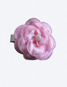 haarklemmetje met een roze klein bloementje