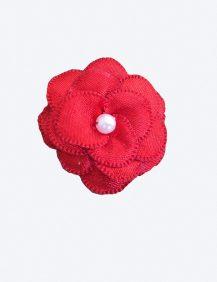haarklemmetje met een rood klein bloementje