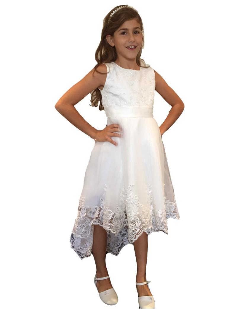 bruidsmeisjes jurk in de kleur ivoor. Deze jurk valt van voren iets over de knie en van achter tot aan de kuiten