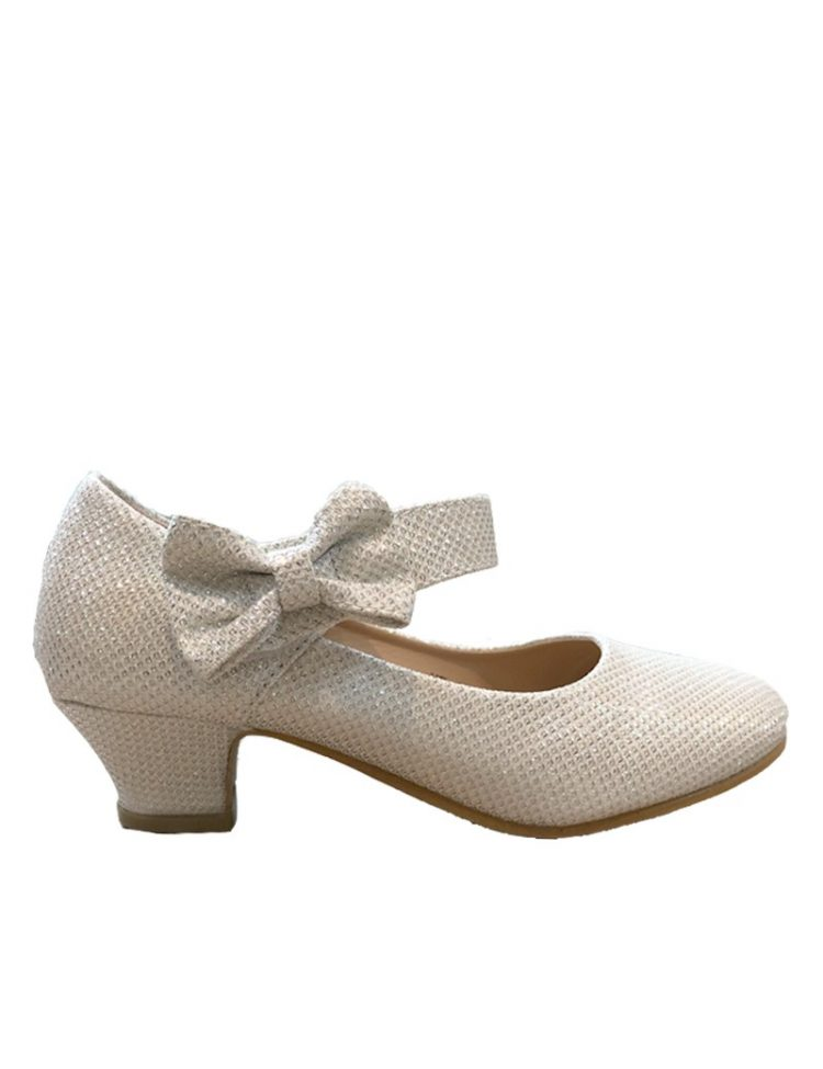 zijkant bruidsmeisjes schoen met een klein hakje en een strikje op het bandje