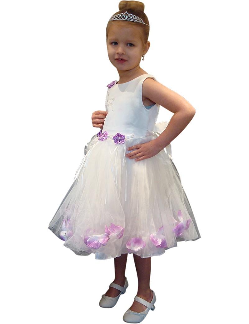 Bruidsmeisjes jurk Tess in de kleur ivoor met paarse bloemen en bloemen blaadjes