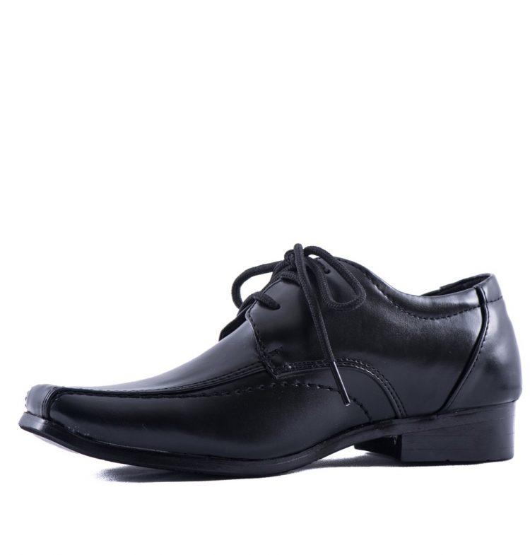 Bruidsjonkersschoen zwart met een spitse neus