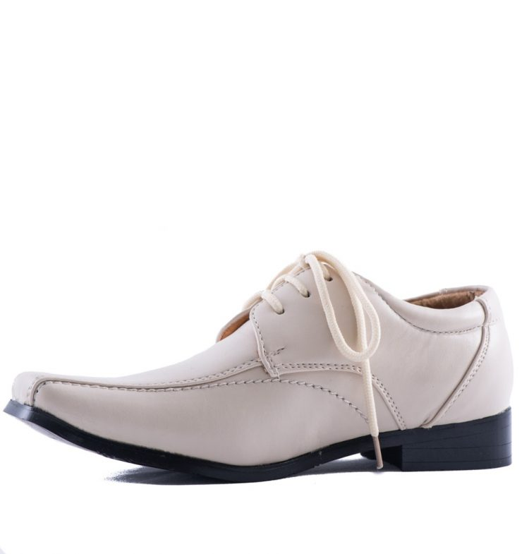 binnenkant bruidsjonkers schoen in de kleur beige