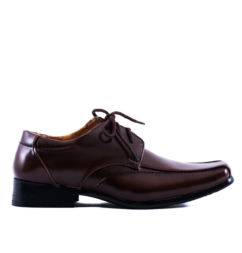 schoenen bruidsjonkers in de kleur bruin