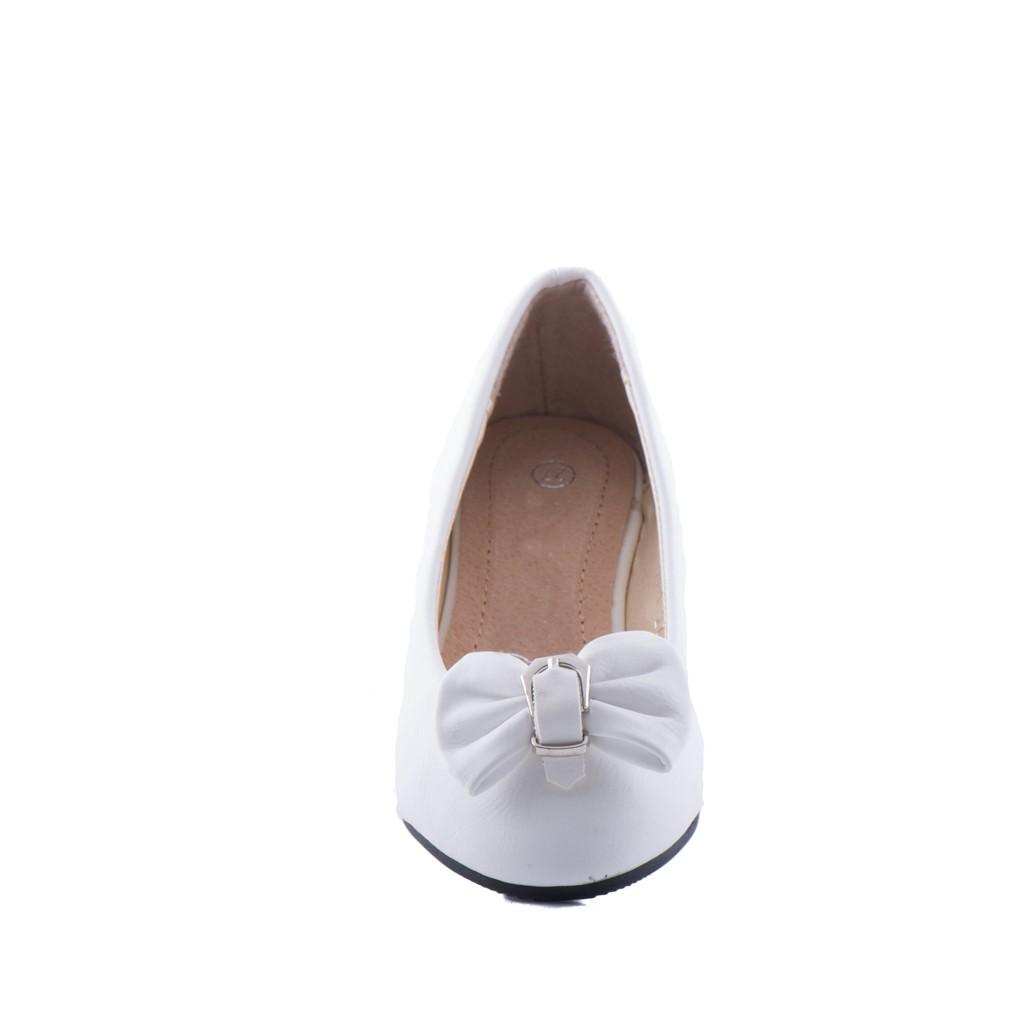 Bruidsmeisjes ballerina schoen met een strik op de neus
