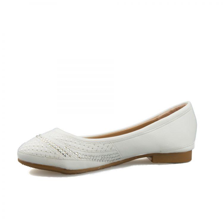 ballerina bruidsmeisjesschoen met een rijtje kleine diamanten