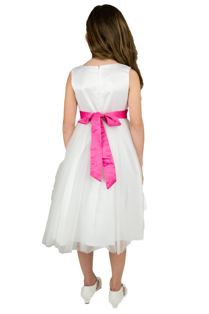 Achterkant jurk met een fuchsia roze strik