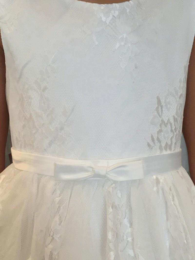 bovenlijfje jurk met kant en een klein riempje met een strikje