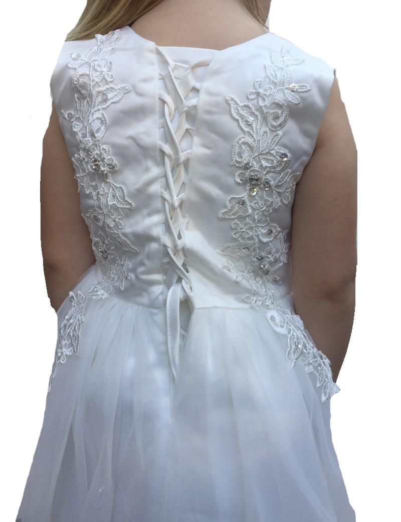 achterkant jurk met een vetersluiting