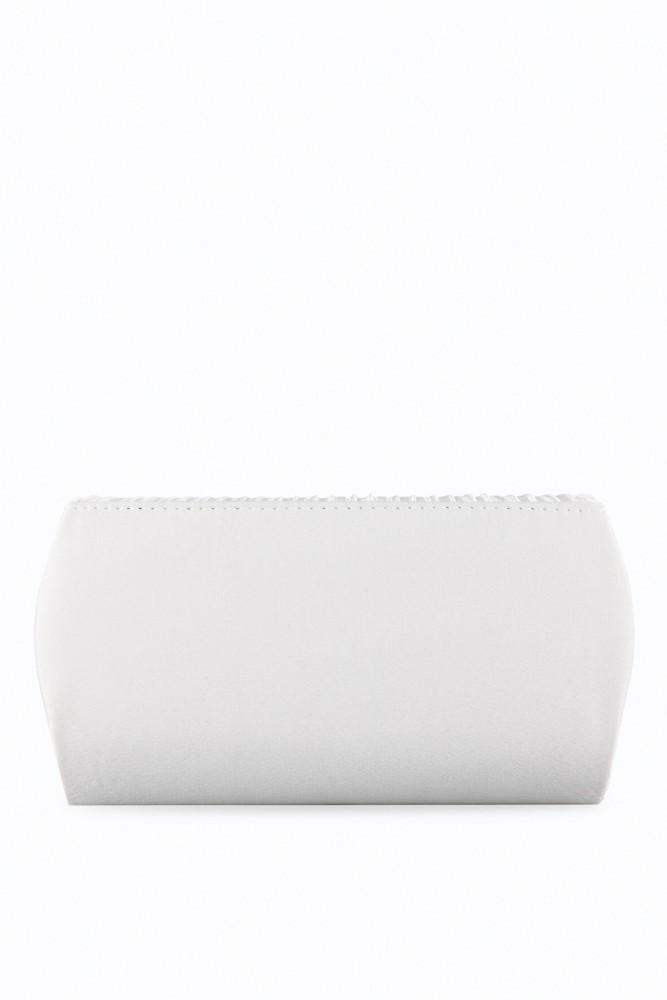 achterkant van ivoor kleurig hand tasje voor bruidsmeisjes